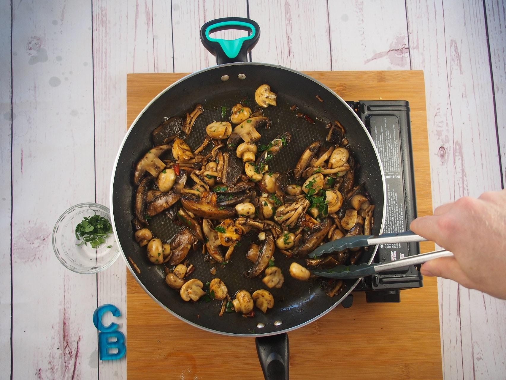 Cooking Blog - Vegan Garlic Mushrooms with Toast 7